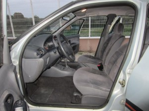 OCCASION TROYES CLIO II 8