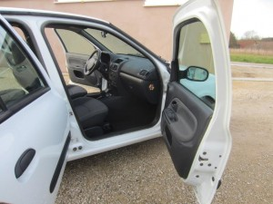 clio II DCI 136000 Kms occassion TROYES 10