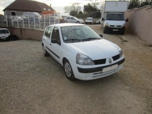 clio II DCI 136000 Kms occassion TROYES 6