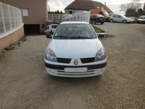 clio II DCI 136000 Kms occassion TROYES 7