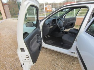 clio II DCI 136000 Kms occassion TROYES 8